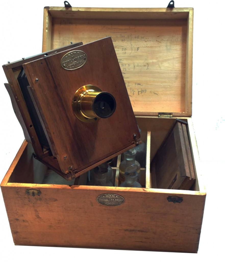 """Ensemble photographique """"Journal du xix Siècle"""""""