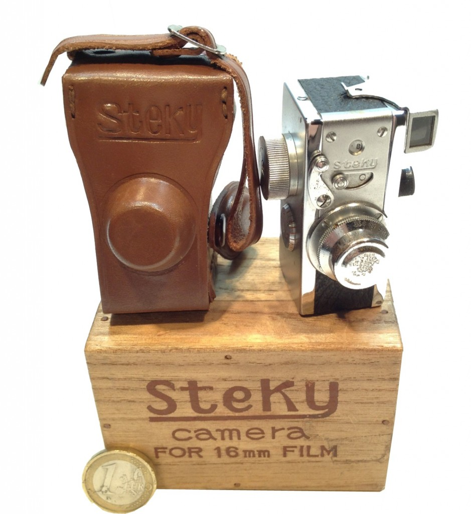 "Miniature 16 mm ""Stéky"""