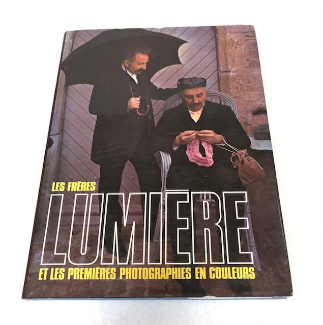 Les Frères Lumière Et Les Premières Photographie En Couleurs André Barret Editeur.
