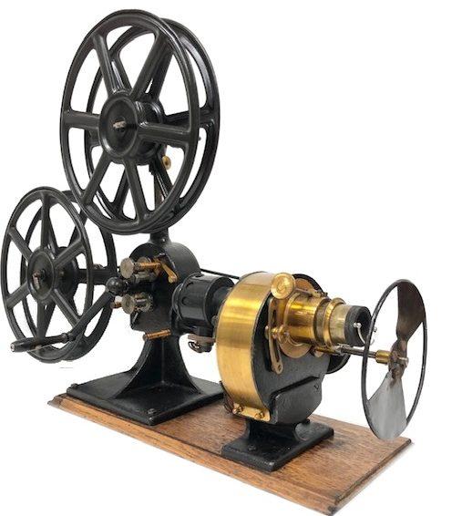 Projecteur 35 mm Guilbert 1920